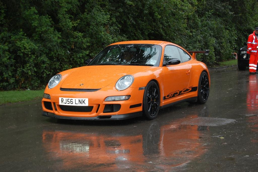 Porsche 911 997 gt3 rs orange