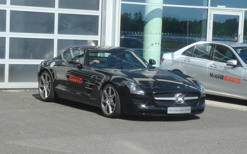 Mercedes-Benz SLS AMG Experience
